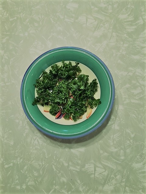 Kale apple salad with lime dressing