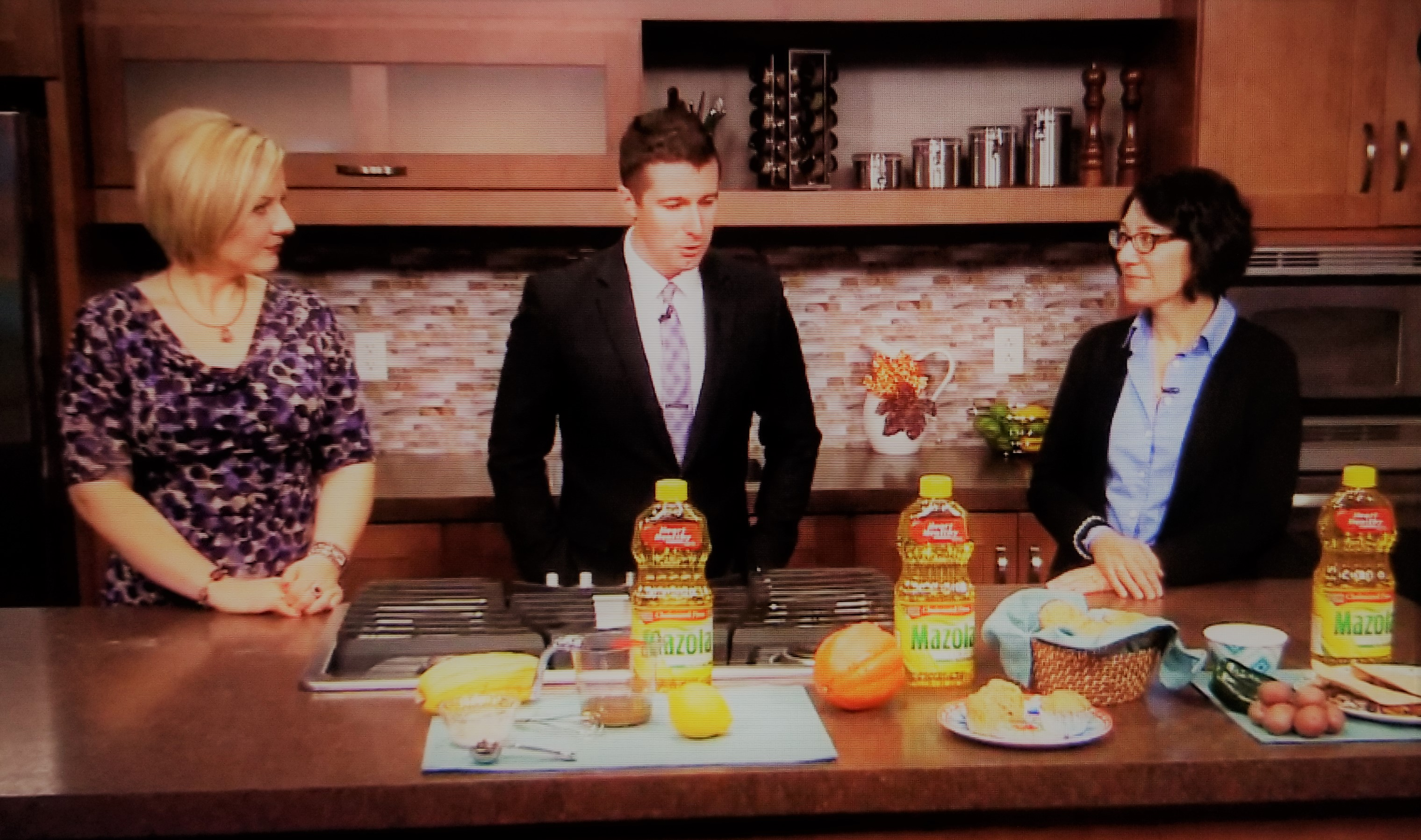Lisa Andrews, RD, a registered dietitian, showcases recipes made quickly using Mazola Corn Oil as she discusses why it can be beneficial.