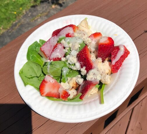 Spring spinach salad with berries